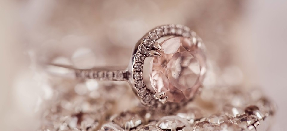 Tips To Know When Buying The Best Jewellery For Your Wedding image